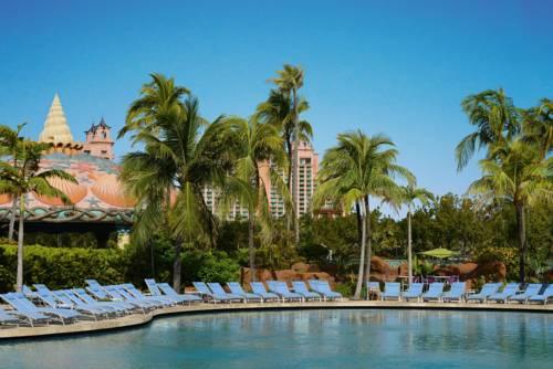Atlantis Beach Tower water pool