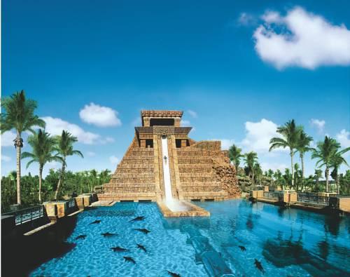 Atlantis Beach Tower water slide