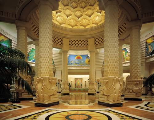 Atlantis Royal Towers lobby