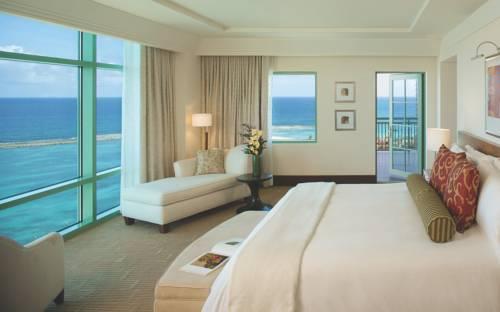 Reef Atlantis bedroom
