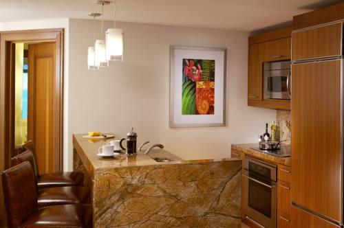Reef Atlantis kitchenette